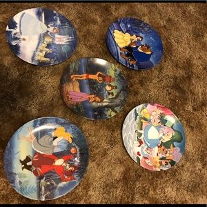 Set of 5 Authentic Disney collector plates.